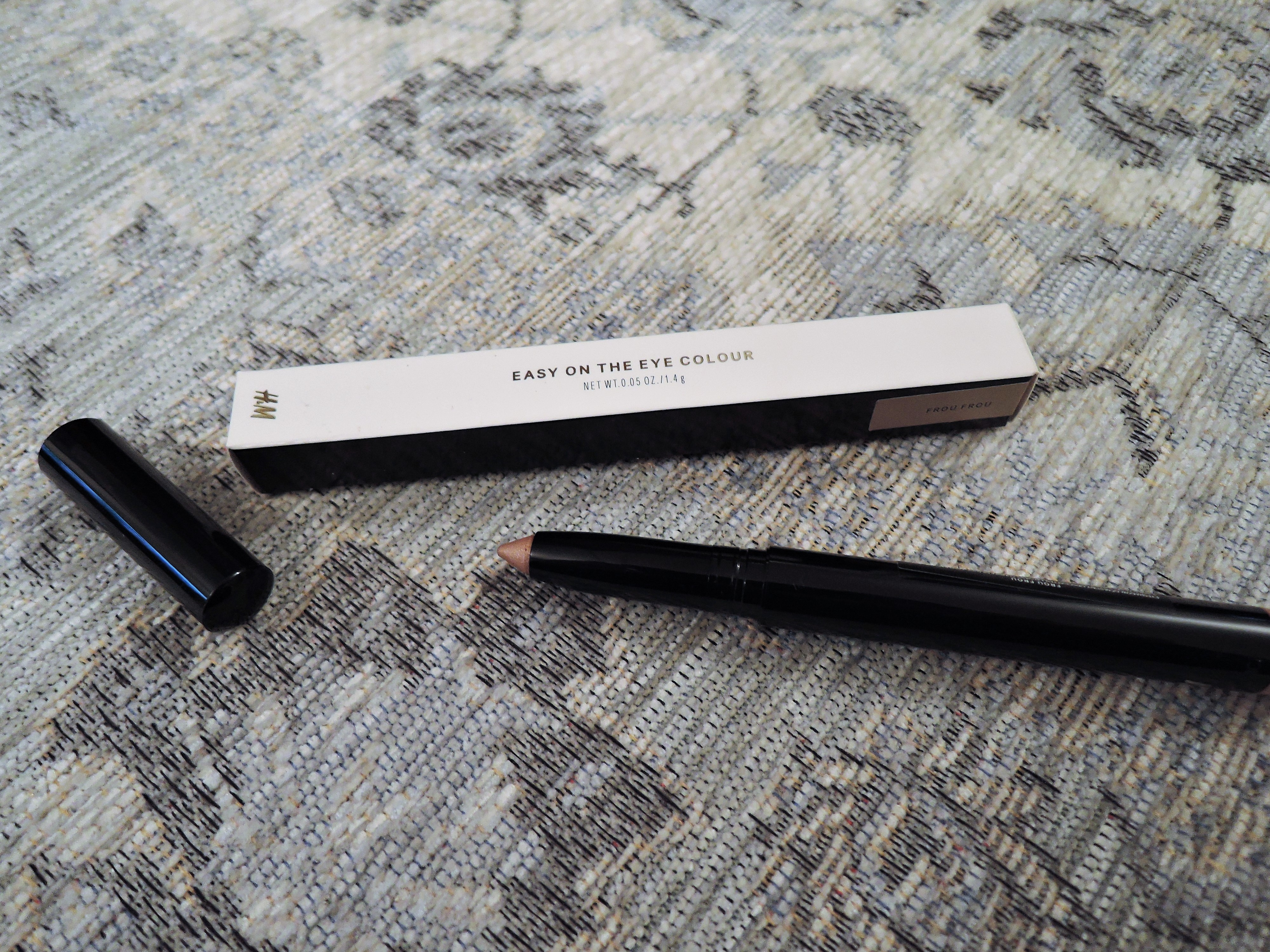 Frou Frou Eye Shadow Pencil